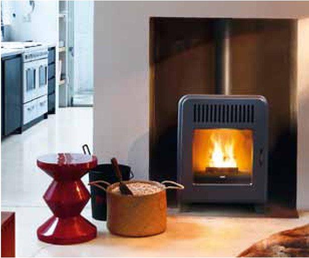 Conviene veramente comprare una caldaia o una stufa a pellet o legna risparmia gas - Stufa caldaia a legna ...